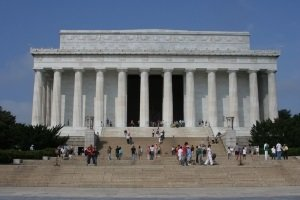Avian Averting System client installation picture Lincoln Memorial in Washington DC
