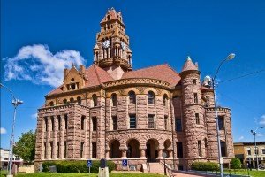 Avian Averting System client installation picture Wise County Courthouse in Texas